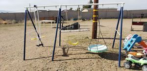 Swing Set w/ outdoor toys for Sale in Hesperia, CA