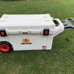 Pelican Elite Cooler With Wheels for Sale in Kirkland, WA