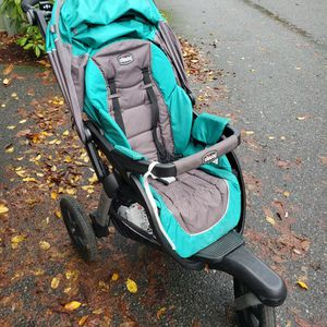 Chicco active 3 jogging stroller for Sale in Issaquah, WA