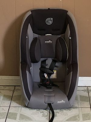 LIKE NEW EVENFLO CONVERTIBLE CAR SEAT for Sale in Jurupa Valley, CA