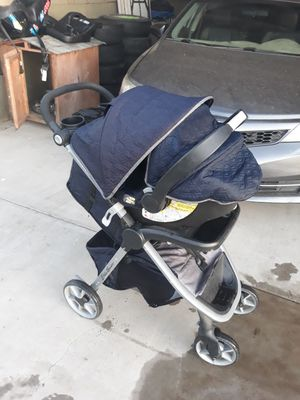 Eddie Bawer stroller and car seat for Sale in Bakersfield, CA