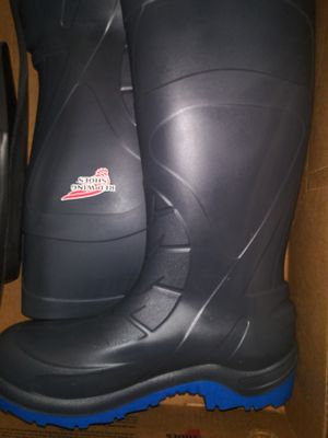 Red wing shoes boots size 13 for Sale in Euless, TX
