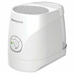 Honeywell Cool Moisture Humidifier HEV320W for Sale in Temecula, CA