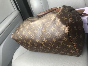 Louis Vuitton bag for sale SERIOUS INQUIRES ONLY for Sale in Baltimore, MD