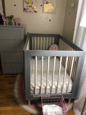Baby crib (pottery and barn kids) for Sale in Passaic, NJ