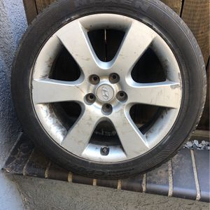 Hyundai Wheel (FREE) for Sale in Placentia, CA
