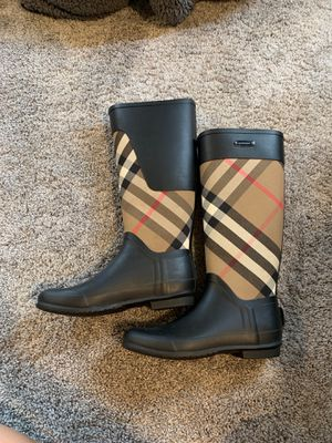 Burberry Rain Boots - Size 38 (US 8) for Sale in Wayne, MI
