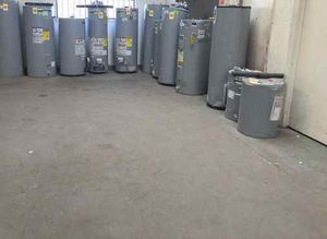 Water heater CF6R7 for Sale in Houston, TX