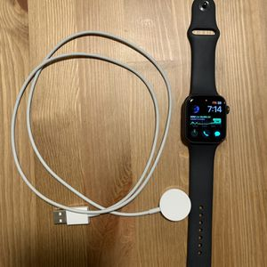 Apple Watch Series 5 44mm Wifi Cellular for Sale in Catonsville, MD