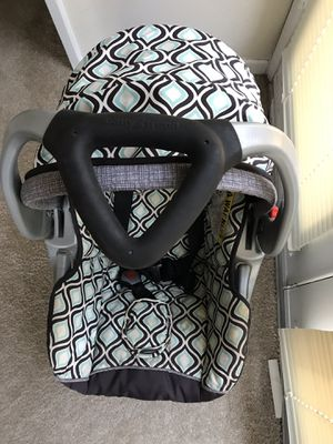 Babytrend car seat for Sale in Calabasas, CA