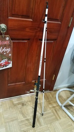 8ft Strong Surf Rod and Big Reel 50lb x5 Braided for Sale in Virginia Beach, VA