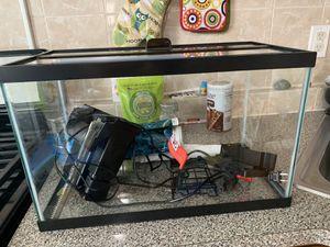 10 gallon fish tank for Sale in Jersey City, NJ