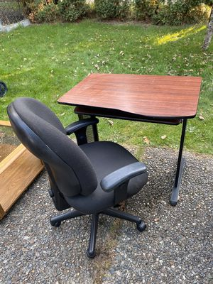 Small Computer or Work Desk and Chair for Sale in Renton, WA