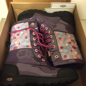Size 4 Kids Purple Ugg Boots (Never Worn) With Box for Sale in Cherry Hill, NJ