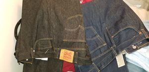 5 pair's of 501 Levi's and 4 wolverine flannels and 1pana for Sale in Inglewood, CA