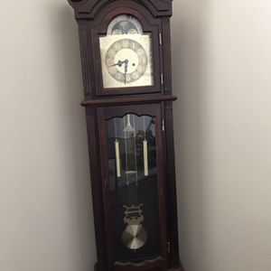 Grandfather Clock (need Minor Work) for Sale in Katy, TX