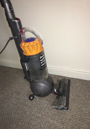 Dyson ball vacuum works perfect for Sale in Fresno, CA
