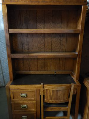 Oak desk, bookshelves, and chair. for Sale in St. Charles, IL