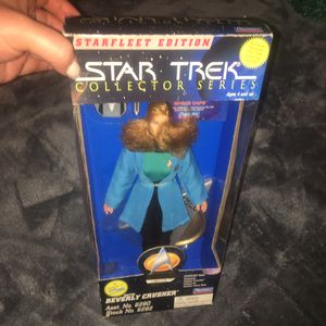 RARE VINTAGE STARFLEET EDITION *STAR TREK* COLLECTOR SERIES - DR. BEVERLY CRUSHER Action Figure Collectors Doll - Still Sealed New in Box! for Sale in New Haven, CT