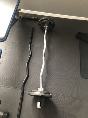 Olympic curl bar with weights for Sale in Floral Park, NY