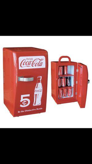 Koolatron Coca-Cola Retro Fridge CCR12 for Sale in Los Angeles, CA