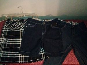Authentic Burberry Skirt, shorts and capris. for Sale in Hesperia, CA