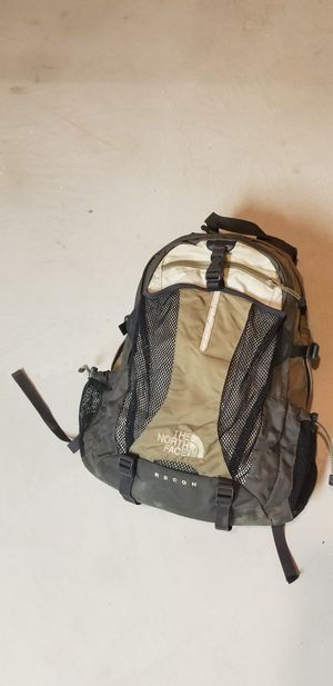 Northface Recon Backpack for Sale in Dearborn, MI