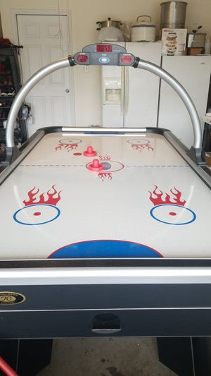 Air hockey table for Sale in Saginaw, TX