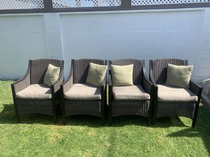 4 outdoor chairs in excellent condition for Sale in Long Beach, CA
