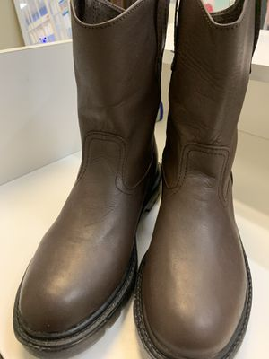 Brand new work boots ( no steel toe) 100% leather for Sale in El Paso, TX