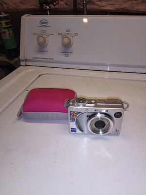 Sony cyber shot digital camera and case for Sale in Penn, PA