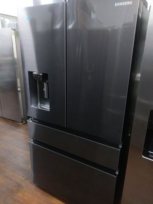 BLACK STAINLESS 4 DOOR COUNTER DEPTH REFRIGERATOR SAMSUNG for Sale in Fullerton, CA