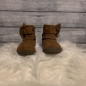 Girl toddler boots size 6 for Sale in Bakersfield, CA