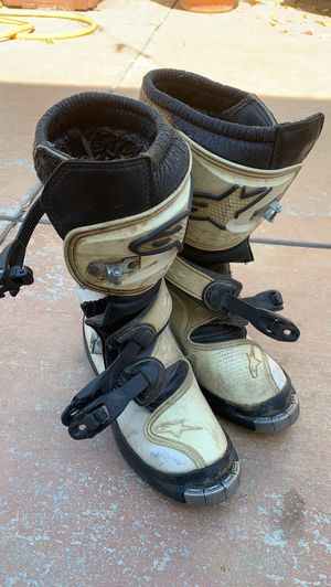 Dirt bike Motor cycle boots size 6 for Sale in La Puente, CA
