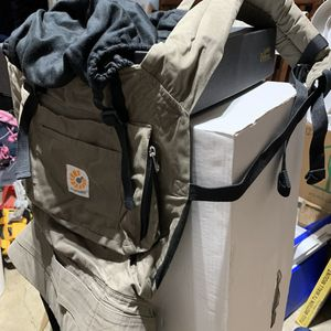 Ergobaby Carrier w/ infant insert for Sale in Tigard, OR