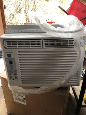 Frigidaire 5k BTU window mounted mini compact AC for Sale in Hyattsville, MD