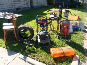 Yard sale today only for Sale in Cleveland, OH