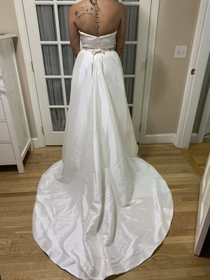 Wedding dress *NEW* (top and skirt separates) for Sale in Revere, MA
