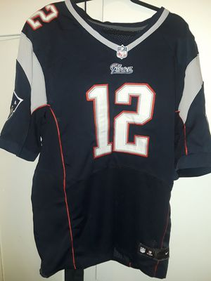 "New England Patriots ""GOAT"" Tom Brady Nike Jersey Size 48 Mens Large ""NO SHIPPING"" $ 30 . PLEASE ONLY CONTACT ME IF U ARE READY TO BUY NOW for Sale in Whittier, CA"