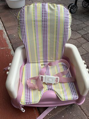 Toddler booster seat for chair pink for Sale in Tampa, FL
