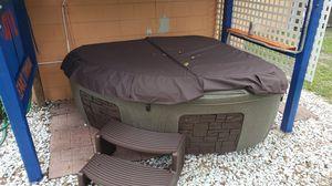 Dream maker Hot tub for Sale in Tampa, FL