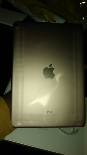 Apple iPad 64gb (10.5in) Wi-Fi brand new for Sale in Columbus, OH