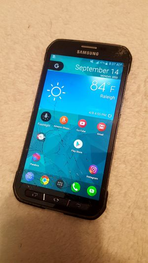 Cracked Screen Samsung Galaxy S5 Active -Still works great for Sale in Raleigh, NC