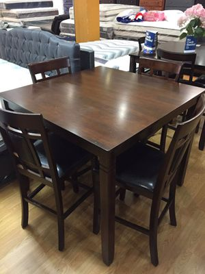Pinewood Dining Table Set for Sale in Chino Hills, CA