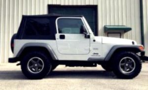 $12OO Jeep Wrangler 2OO4 for Sale in Frederick, MD
