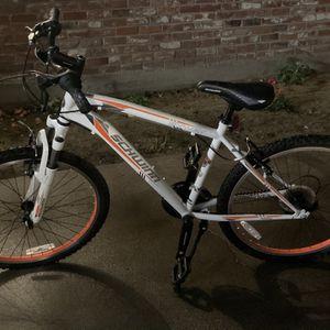 Boys 24 inch Schwinn Byway Mountain Bike for Sale in Selma, CA