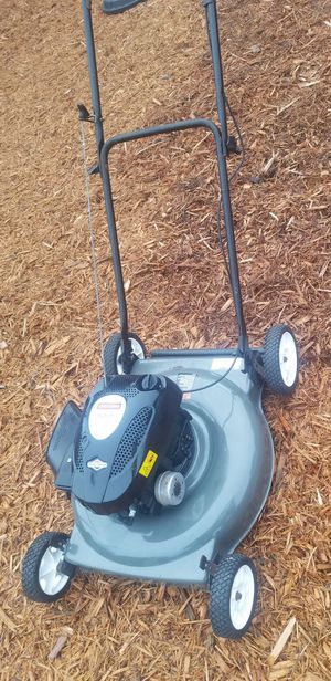 CRAFTSMAN SILVER Edition 21 in. Lawn Mower with 5.5HP OHV Briggs & Stratton Gas for Sale in Pompano Beach, FL
