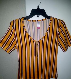 Funky stripped yellow top for Sale in Wichita, KS