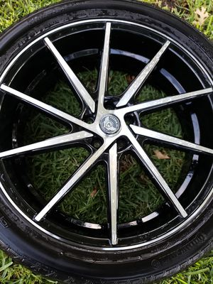 22 in. Gima rims(black)with tires...no lug nuts for Sale in Houston, TX