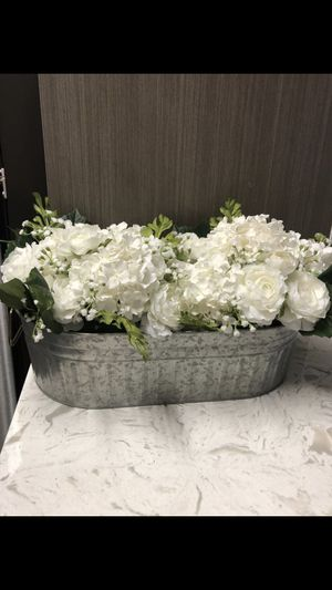 Large Farmhouse Style Flower Pot w/ Flowers for Sale in Germantown, MD